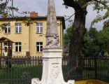 Dabrowa Tarnowska obelisk
