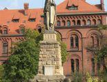 Pomnik Świętej Jadwigi Śląskiej