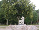 Pomnik zolnierza Armii Czerwonej w Starzynskim Dworze 1