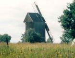Wiatrak-koźlak w Chlebczynie. Stan z 1994 roku.
