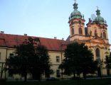 Legnickie Pole - barokowy kościół pw św. Jadwigi z dawnym klasztorem Benedyktynów