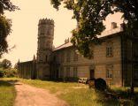 Neogotycki pałac w Kłobukowicach