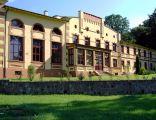 Więcki - Pałac klasycystyczny, obecnie gimnazjum