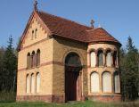 Niesienie Krzyża z 1905r. – neoromańska kaplica w Bardzie
