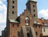 Front kościoła romańskiego w Czerwińsku nad Wisłą