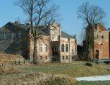 Zamek Kiszewski - renesansowa baszta przybramna i XIX w. pałac