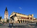 Sukiennice i Wieża Ratuszowa na rynku w Krakowie