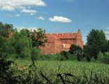 Barciany - zamek krzyżacki od strony stawów
