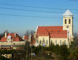 Katowice-Dąbrówka Mała, Kościół pw. św. Antoniego z Padwy, widok od DK 86